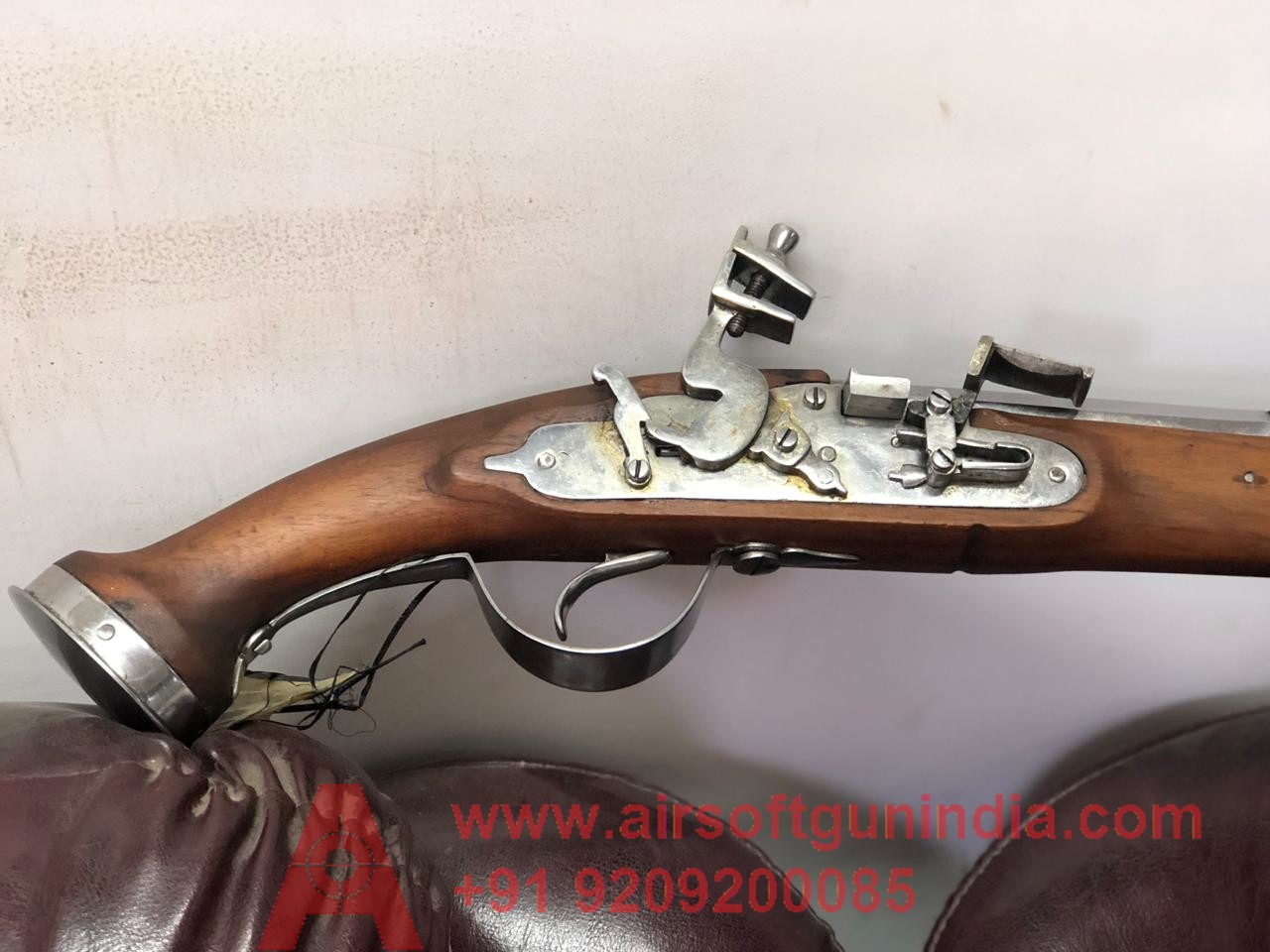 Flintlock ( Doglock ) Muzzle Loading Replica Non Firing RIFLE LIGHT BROWN